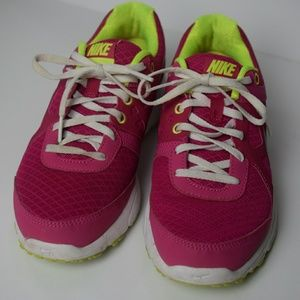 Pink Nike Lunarlon dynamic support sneakers